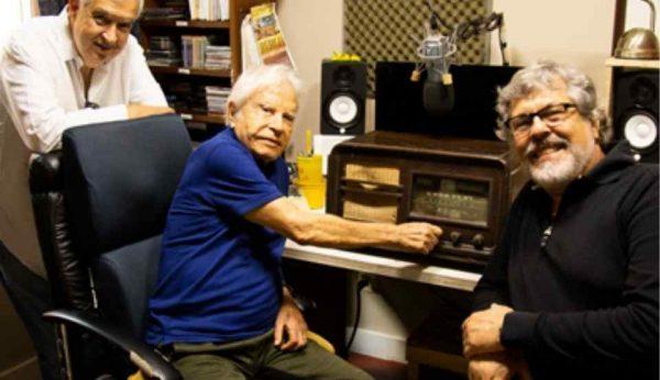 Cid Moreira lança rádio