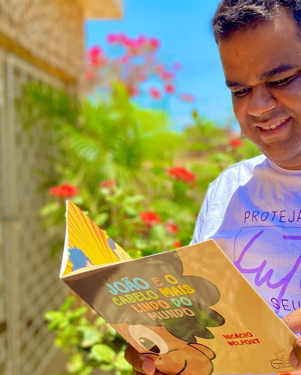 Após sofrer preconceitos na infância, nordestino lança livro para elevar autoestima de crianças com cabelo crespo 4
