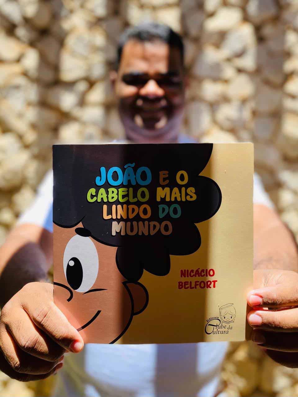 Após sofrer preconceitos na infância, nordestino lança livro para elevar autoestima de crianças com cabelo crespo 5