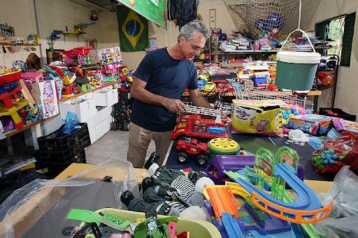 Oficina conserta brinquedos para crianças carentes