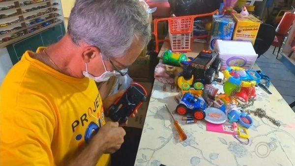 Oficina recupera brinquedos para doar