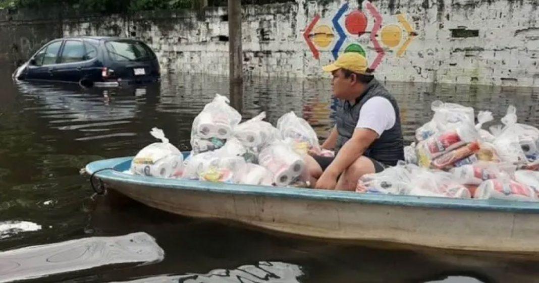 padre ajuda necessitados no México