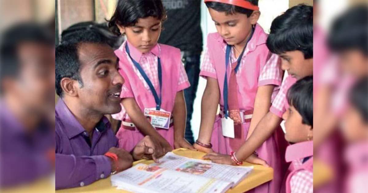 """Professor indiano vence """"Nobel da Educação"""" e divide dinheiro do prêmio com outros finalistas 1"""