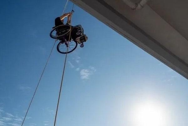 alpinista de cadeira de rodas 2