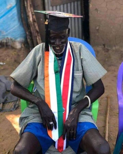 neta leva doutorado para avô na África