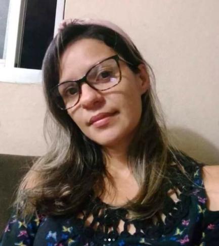 Mulher de óculos
