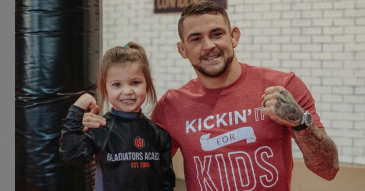 Campeão do UFC cria fundação para ajudar pessoas carentes de sua cidade natal, Louisiana (EUA) 4