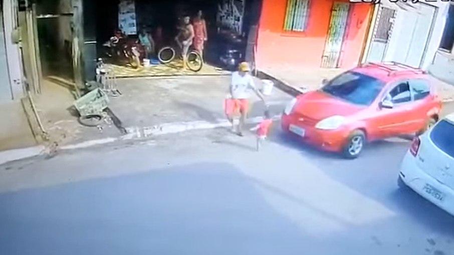 heroi salva menina atropelamento