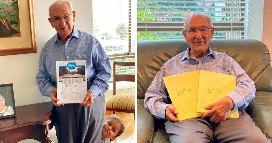 idoso apresenta tese de doutorado aos 104 anos