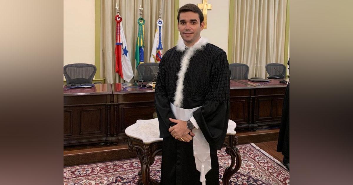 jovem é empossado juiz no PA