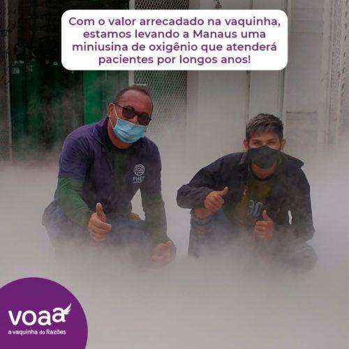 Homens que participaram da instalação da miniusina de oxigênio em Manaus, criada após doações