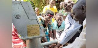 vilarejo recebe água potável pela primeira vez