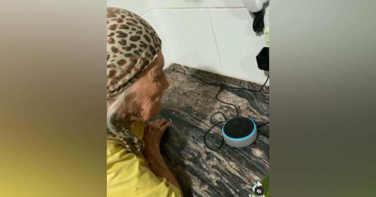 idosa Alexa