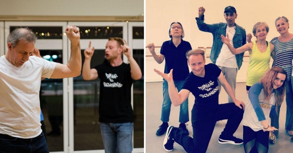 Homem com Parkinson dançando com instruções de professor ao lado e Professor e alunos de dança fazendo pose para fotos