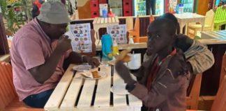 home paga escola criancas quenia