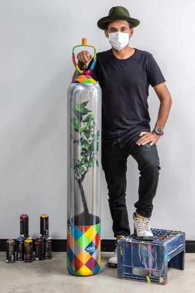Kobra lança obra feita com cilindro de oxigênio