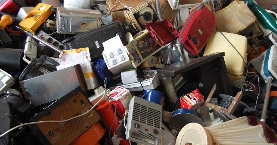 Estudantes criam app que orienta o descarte correto de lixo eletrônico 2