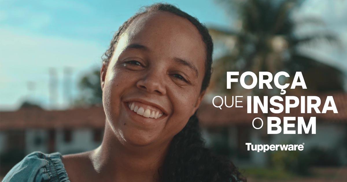 empresária tupperware sorrindo campanha força que inspira o bem