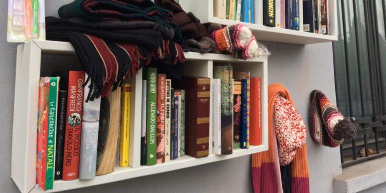 Livros em parede