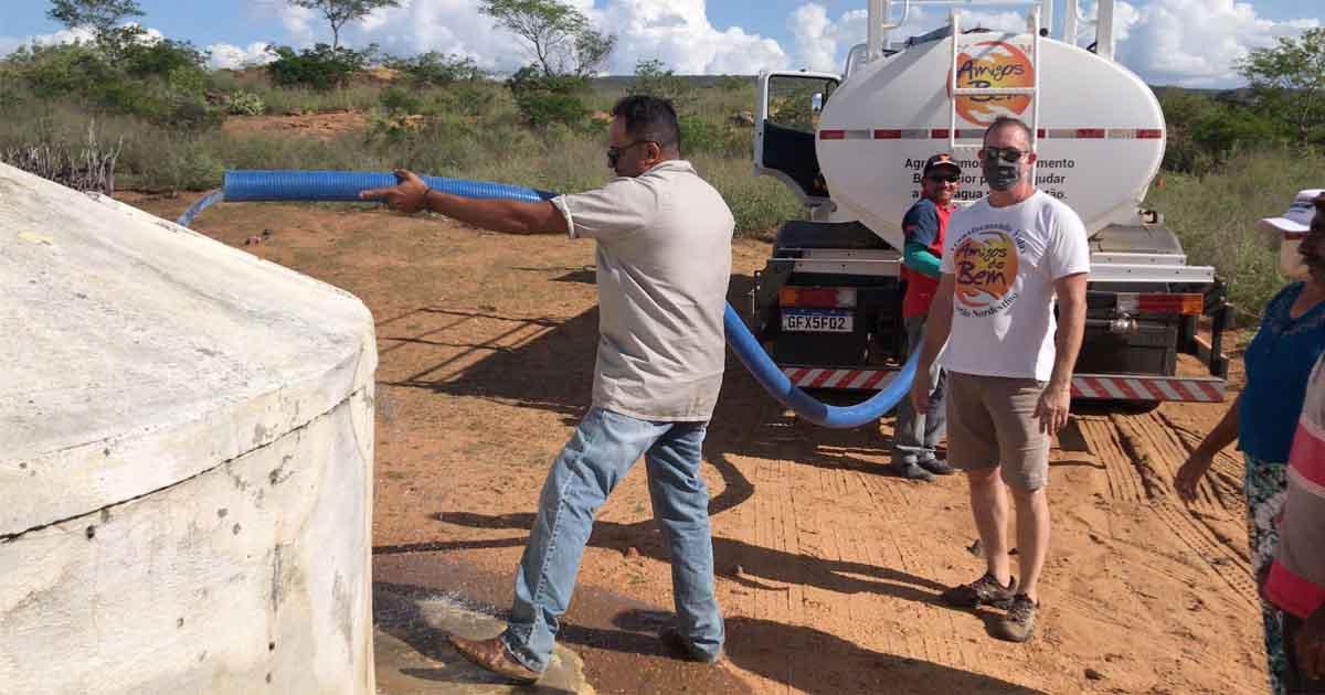 Com apoio de NIVEA, ONG leva água potável, produtos de higiene e alimentos a famílias do sertão nordestino 3