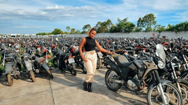 Priscila Santos dona da Rebocar