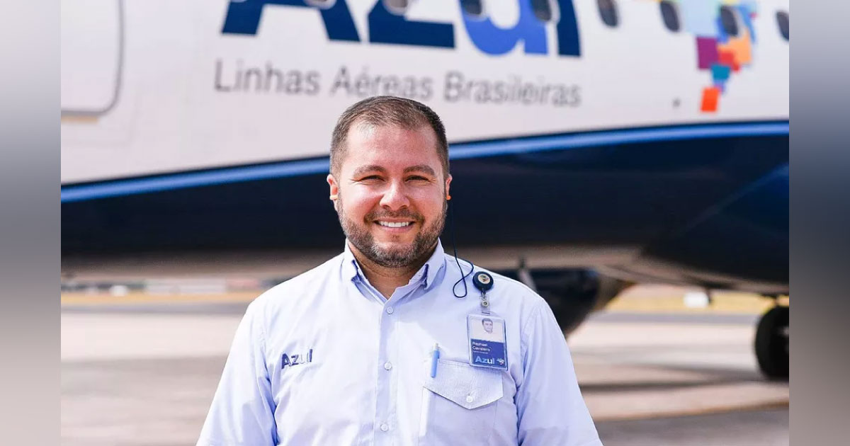 Agente de aeroporto paga passagens de casal surdo e filhos ao perceber que caíram em golpe 5