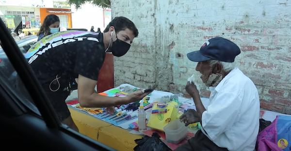 vendedor ambulante 93 anos 1