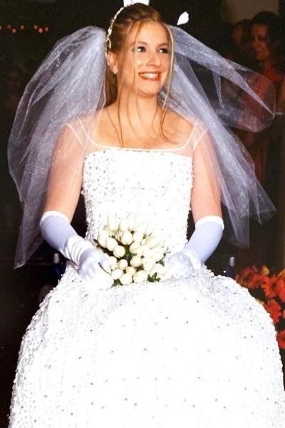 Andrea Schwarz vestida de noiva