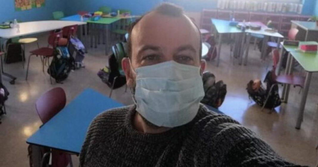 Diretor busca alunos com deficiência em casa e os leva para a escola todos os dias
