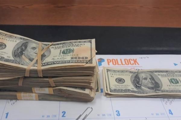 US$ 42 mil encontrados por garota nos EUA e devolvidos para o dono