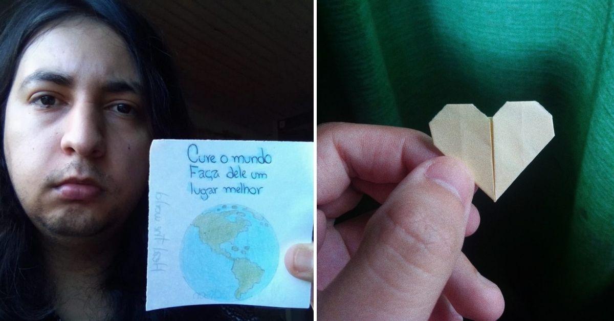 Homem de cabelos longos com papel com mensagem motivacional e desenho do mapa do mundo e Mão segurando origami de coração