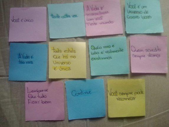 Origamis com mensagens motivacionais