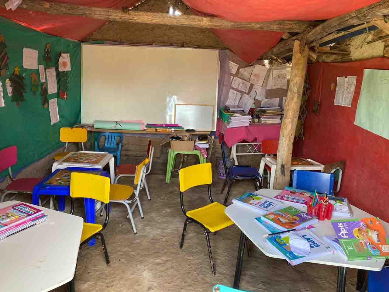 sala aula escolinha barraco taipa