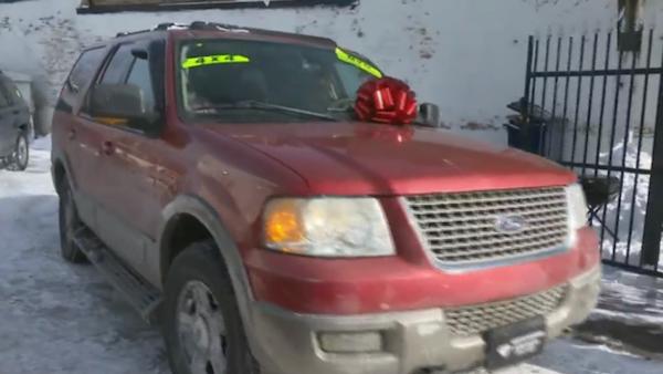 homem ajuda vitimas roubo carro 2