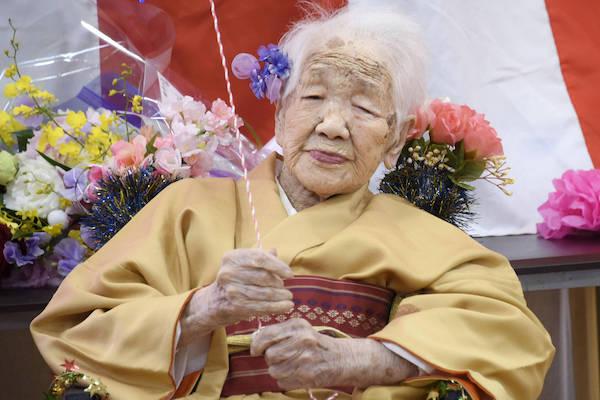 Mulher mais velha do mundo carregará tocha olímpica. Na foto, Kane Tanaka