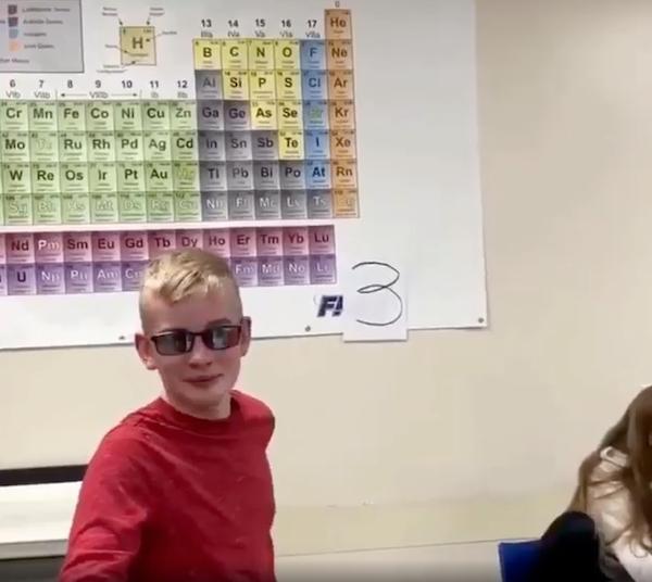oculos especiais menino daltonico 2