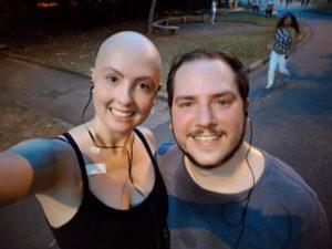 Roberta Perez e marido em selfie no parque