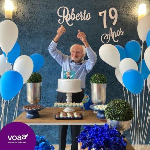 idoso celebra aniversário 79 anos