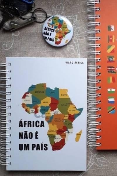 cadernos e botton Visto África