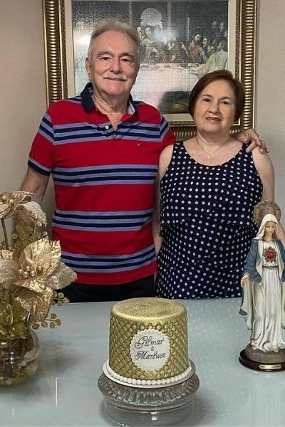 casal idosos ganharam serenata filhas