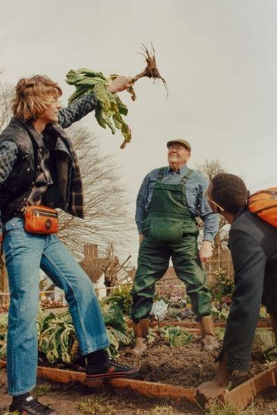 fazendeiro idoso modelo Gucci durante ensaio