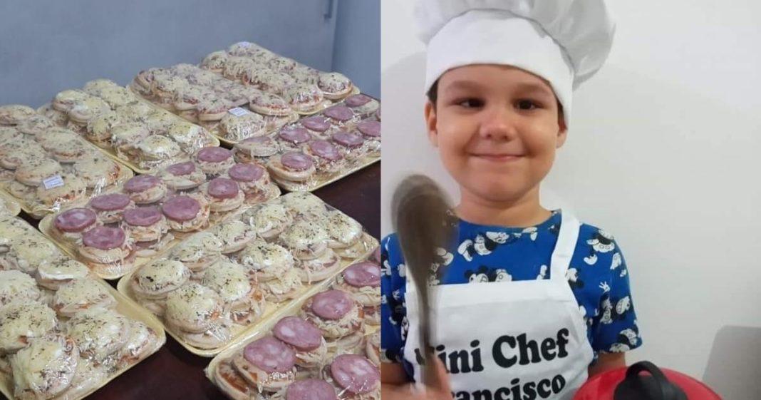 Menino usa chapéu e avental de chef para fazer minipizzas