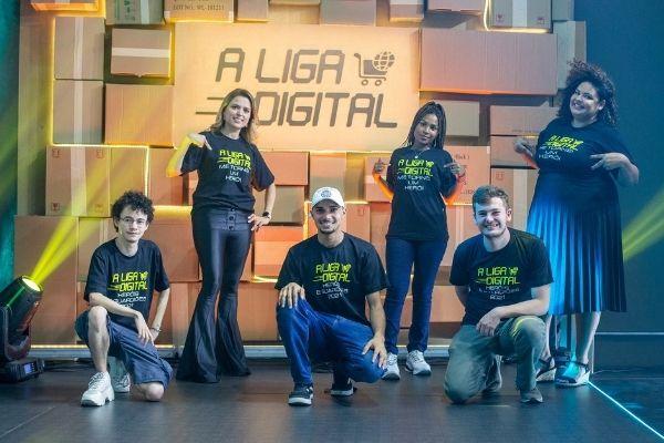 alunos da A Liga Digital em evento