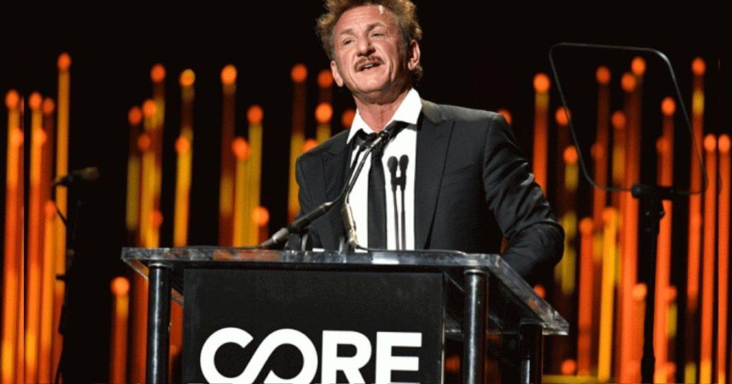 Sean Penn durante evento ONG Core