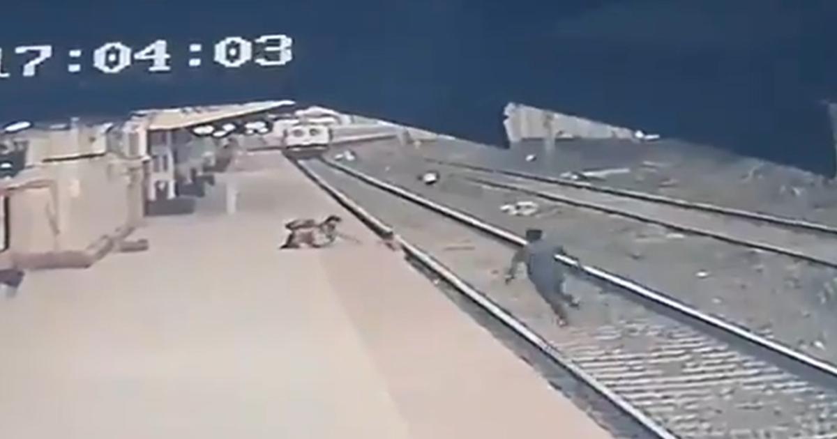 cena câmera segurança estação de trem Índia