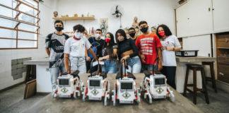 estudantes aulas robótica escola pública periferia são paulo