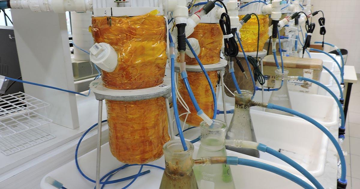 bio batérias geradoras eletricidade águas esgoto