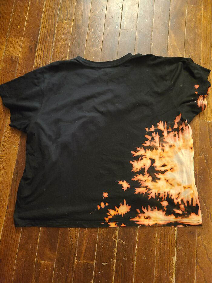 camiseta mancha água sanitária estilo tie dye