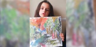 menina segura pintura critica professora artes
