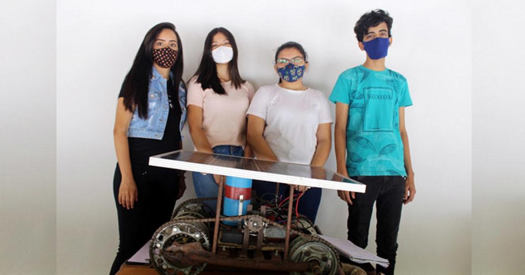 estudantes cearenses exibem robô semeador movido energia solar